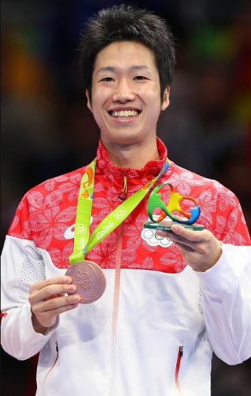 三位水谷隼メダル写真、画像